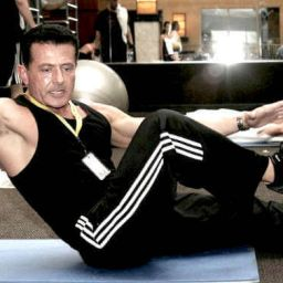 Personal Trainer At Las Vegas Athletic Club Performing an abdominal exercise